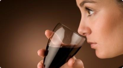 Degustacja win - warsztaty z sommelierem (źródło: katalogmarzen.pl)