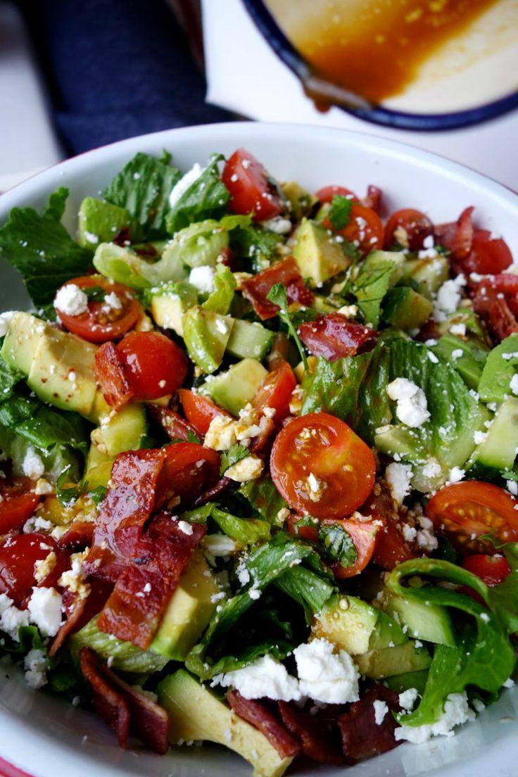 Sałatka z pomidorków i pistacji (źródło: pinterest)