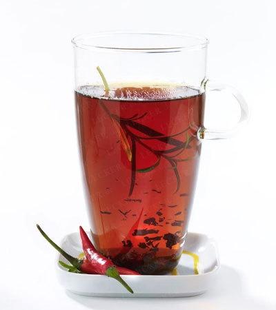 rozgrzewająca herbata z malinami i rozmarynem
