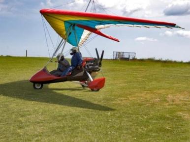 lot motolotnią (źródło: www.wyjatkowyprezent.pl)