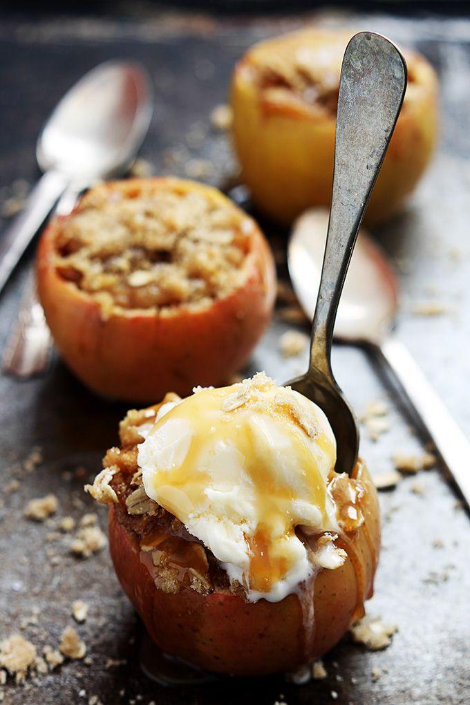 pieczone jabłko z miodem i cynamonem