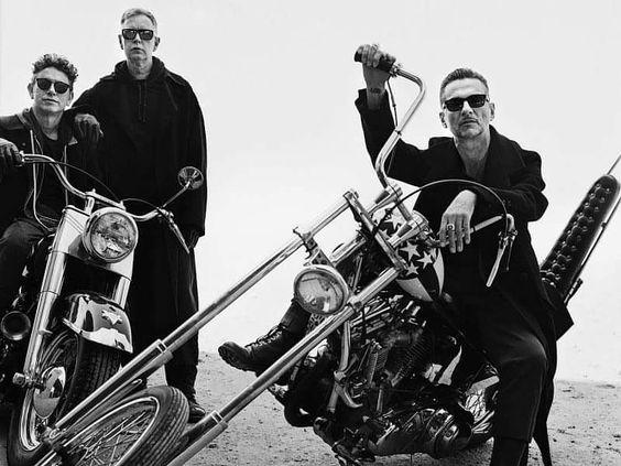 członkowie zespołu Depeche MOde na harley'ach