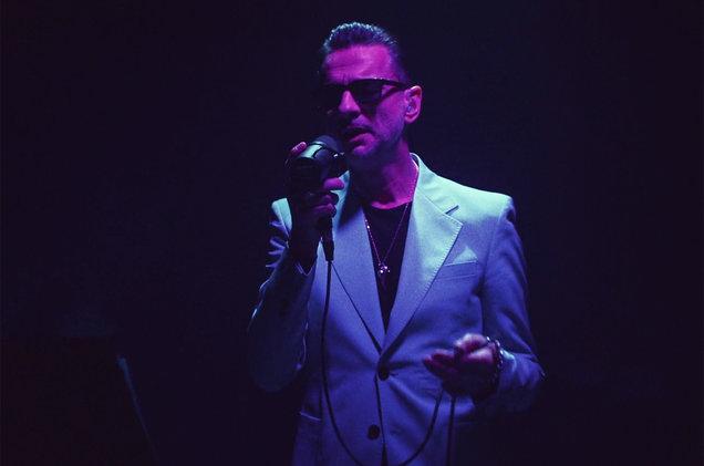 depeche mode heroes teledysk